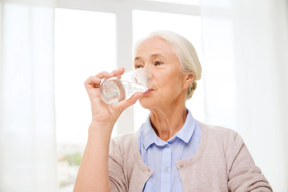 Five Ways for Seniors to Stay Hydrated During Hot Summer Months